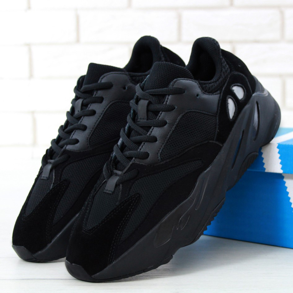 Adidas Yeezy Boost 700 Wave Runner Triple Black (реплика)