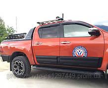 Молдинги на Toyota Hilux (2015-...)