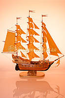 Корабль с персиковыми парусами