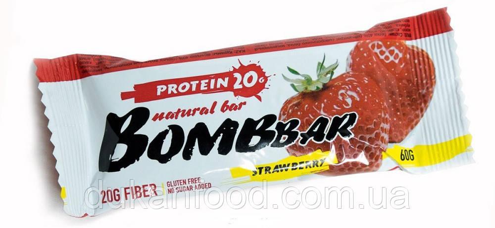 BomBBar протеиновый батончик КЛУБНИКА