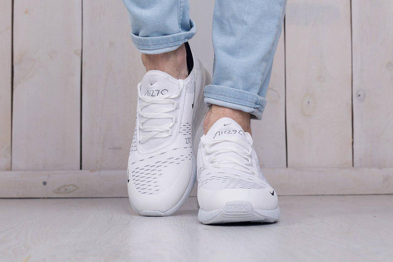 ÐÑжÑкие кÑоÑÑовки Nike Air Max 270