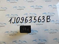 Кнопка обогрева сидений Golf 4, Гольф 4 1J0963563B