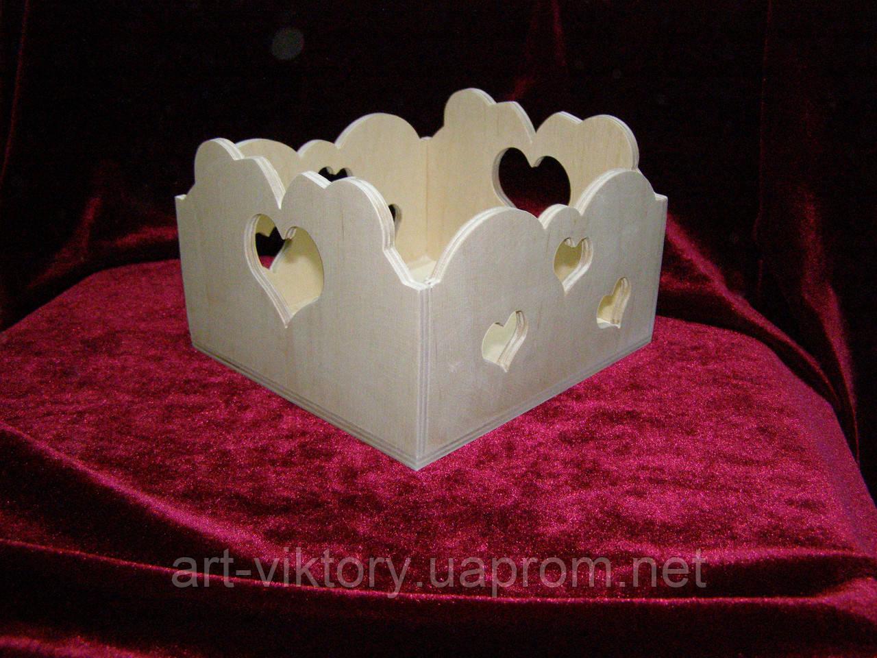 Короб с сердечками, декор (14 х 15 х 10 см)