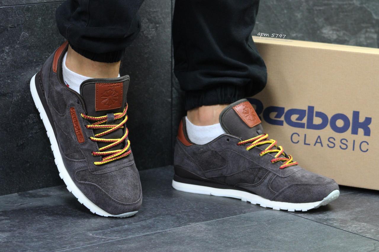 Чоловічі кросівки Reebok Workout,замшеві,коричневі 43,44 р,