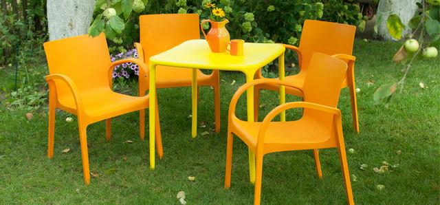 Пластиковая мебель. Столы, Стулья Шезлонги.