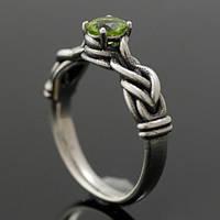 """Обручальное кольцо """"Рапунцель"""" с перидотом от WickerRing"""