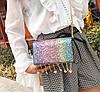 Элегантная сумка клатч на цепочке с блестками и брелками, фото 4