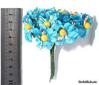 Цветок на проволоке желто-голубой