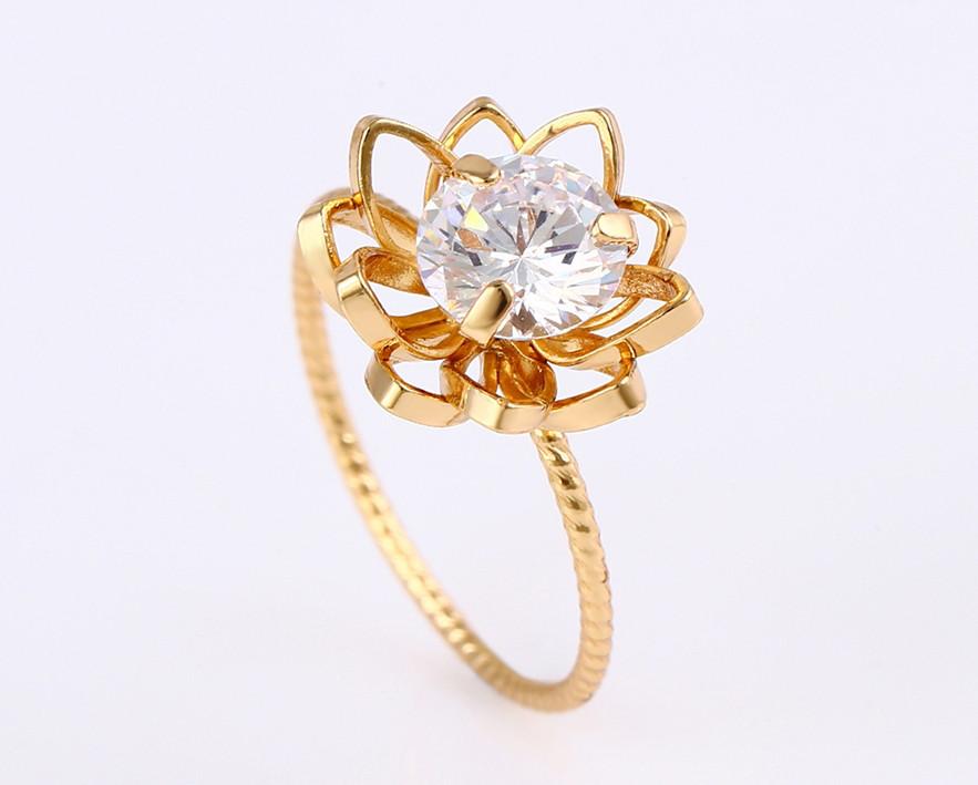 XUPING Кольцо Позолота 18к цветочек с белым цирконом Размер 16.5,17,18
