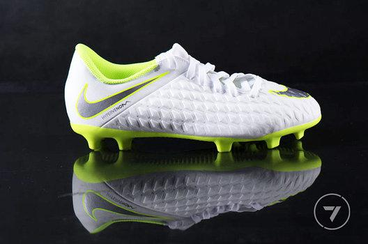 Бутсы Nike пластик JR PHANTOM 3 CLUB FG AJ4146-107 (оригинал)