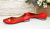 Туфли женские лаковые красного цвета на низком ходу, фото 4