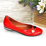 Туфли женские лаковые красного цвета на низком ходу, фото 2