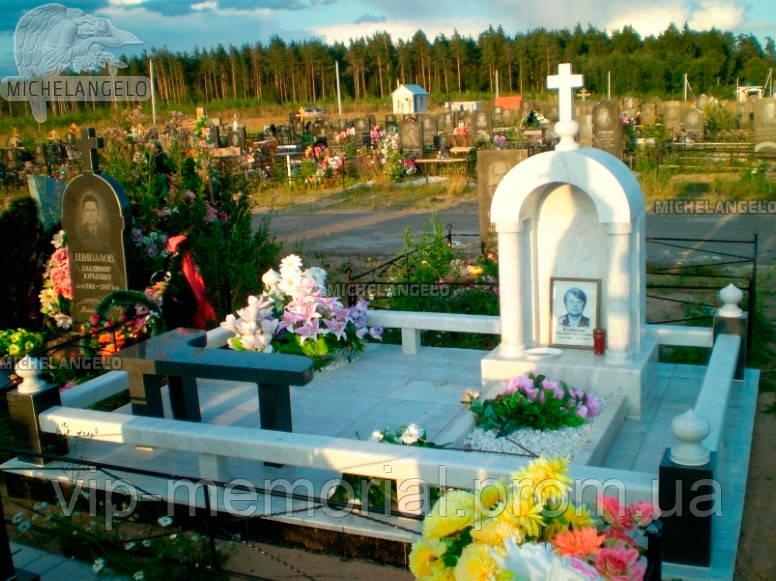 Памятник женщине Ж-411