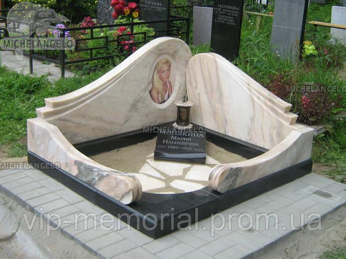 Памятник женщине Ж-433