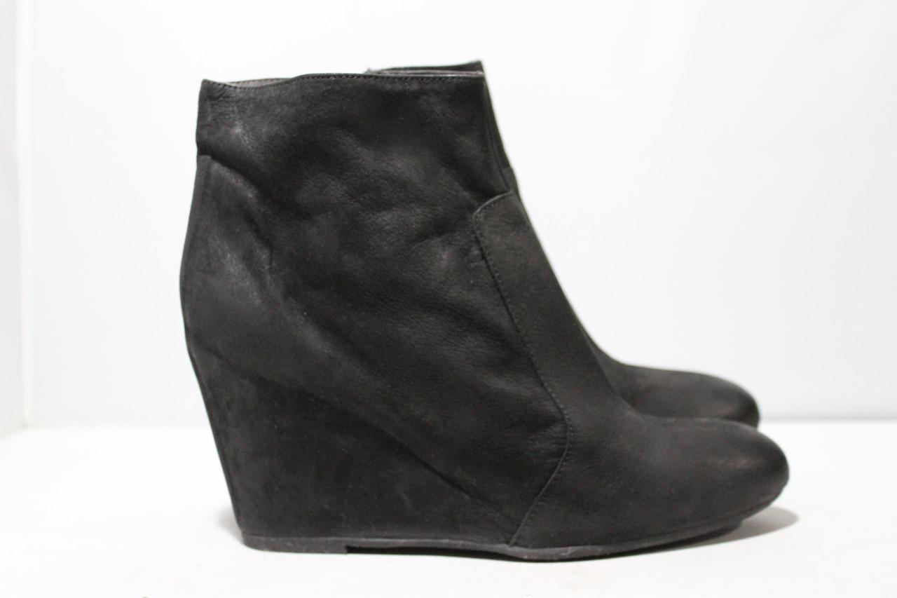Женские замшевые ботинки Andre