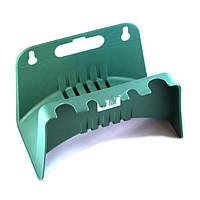Настенный органайзер (6038) вмещает от 30 до 50 метров шлага диаметром 1/2, 5/8 и 3/4 дюйма и инвентаря