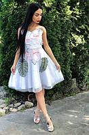 Красивое нежное женское платье креп-атлас с аппликацией белое, молочное