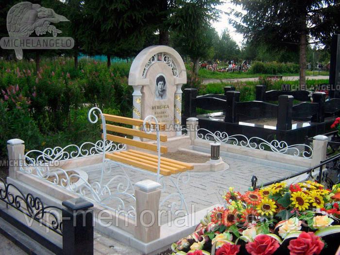 Мраморный памятник М-595
