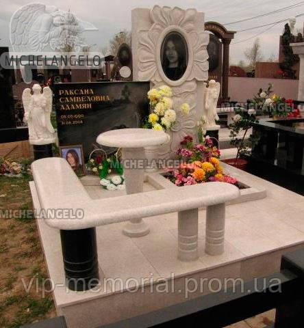 Мраморный памятник М-591