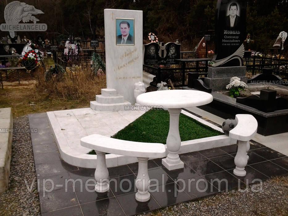 Мраморный памятник М-501