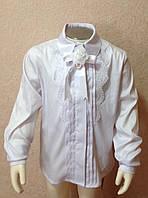 99506ac2c9c Блуза белая для девочки с длинным рукавом и с широким кружевом вдоль планки