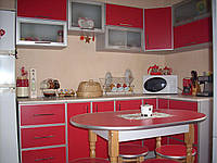 Красная кухня в  профиле, фото 1