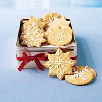 Имбирное рождественское печенье станет не просто подарком или украшением новогоднего стола, но и символом добра, заботы и уюта.