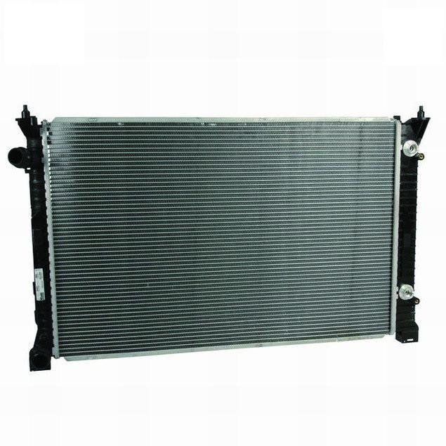 Радиатор охлаждения Audi 100 1991-1992 2.8 механика 632*412мм по сотах KEMP