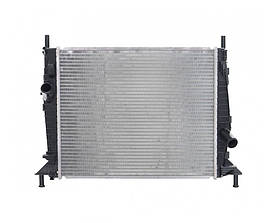 Радиатор охлаждения Ford Focus 2004- (1.4-1.6 АКП AC-) 449*376мм по сотах KEMP