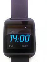 При встряхивании часы автоматически подсвечиваются. Разрешение главного экрана очень качественное и смотрятся часы очень круто.