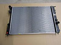 Радиатор охлаждения Opel Omega B 1995-2000 (2.0-3.0 механика) 653*460*34мм по сотах