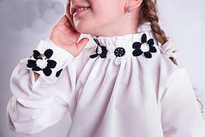 Яркая детская школьная блуза с кружевными цветочками, фото 2