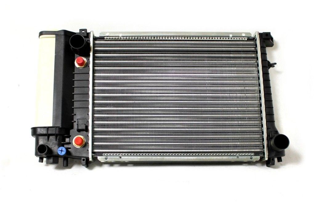 Радіатор охолодження BMW 5 E34 1988-1995 (2.0-2.5 АКП АС+) 440*329мм по сотах