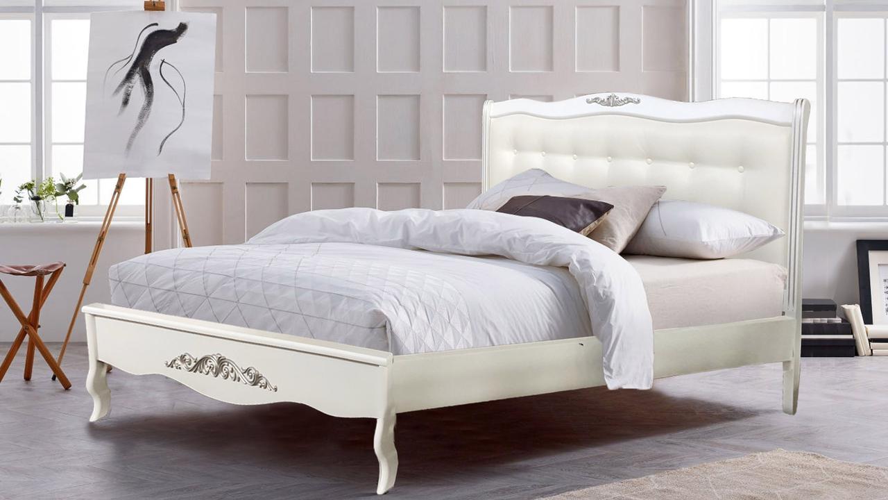 Кровать деревянная белая   Александрия Евродом ,цвет белый + патина серебро обивка изголовья экокожа