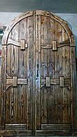 Двери деревянные под старину арочные