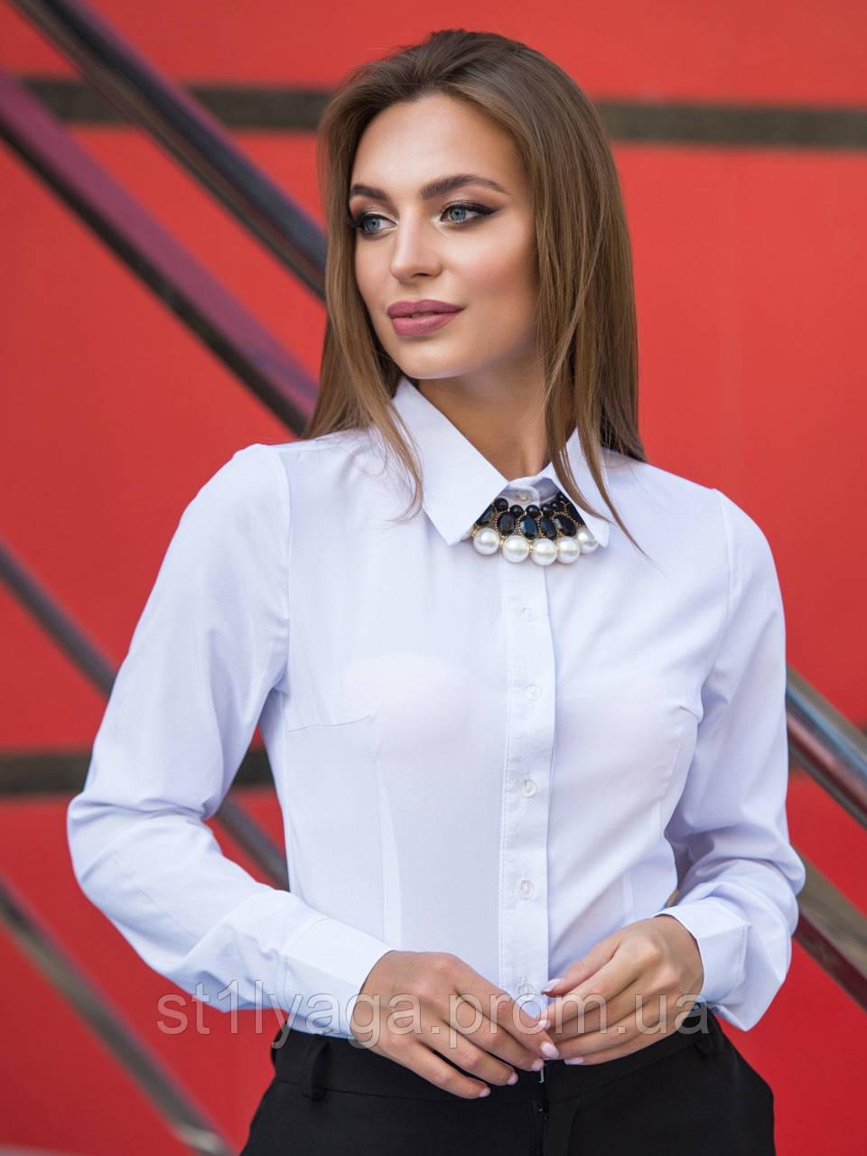 Блузка классического кроя с длинным рукавом