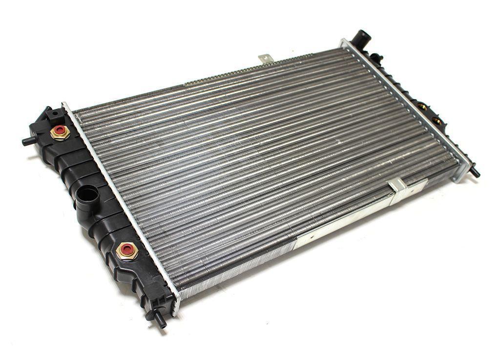 Радиатор охлаждения Opel Vectra A (2.0 АКП AC+) 617*375мм по сотах