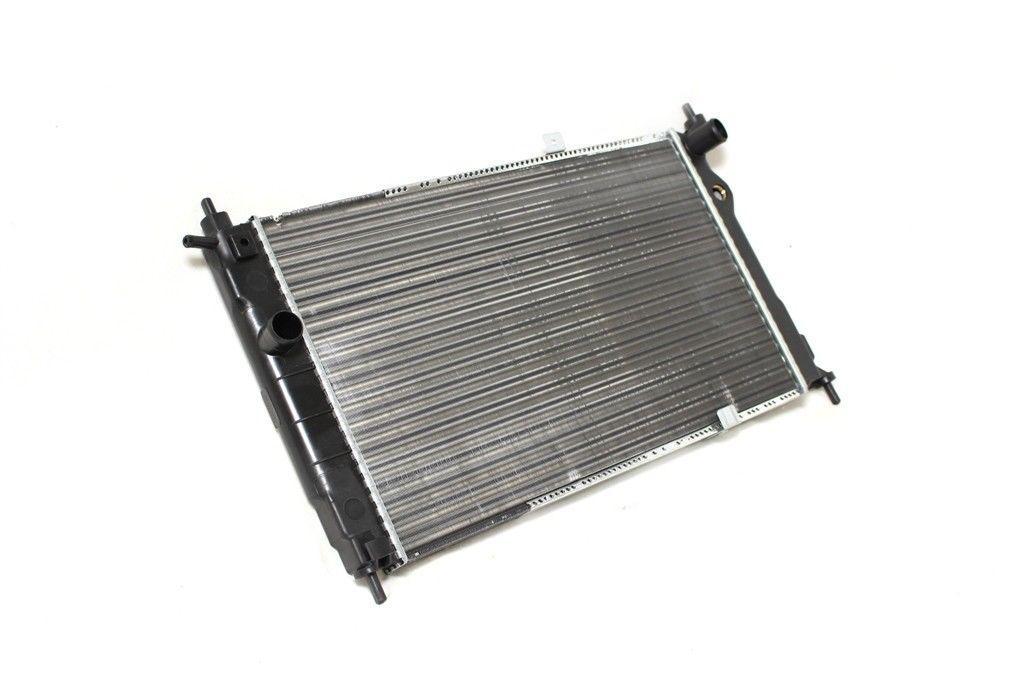 Радиатор Оpel Astra F (1.6-2.0i механика AC+/-) 590*365мм по сотах KEMP