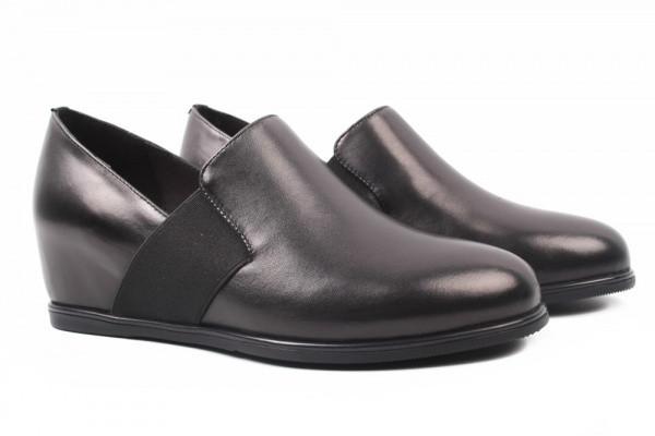 Туфли женские на танкетке из натуральной кожи ,черные Angelo Vani