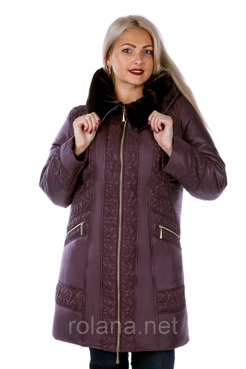 """Стильная куртка из новой коллекции  """"ROLANA"""" (с отделкой из мутона на капюшоне) """"Брусника"""""""