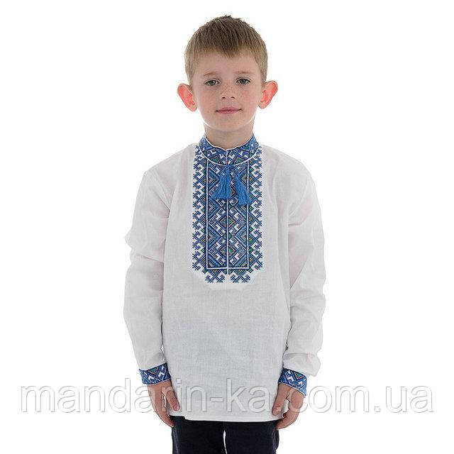 Детская вышиванка для мальчика с синей вышивкой