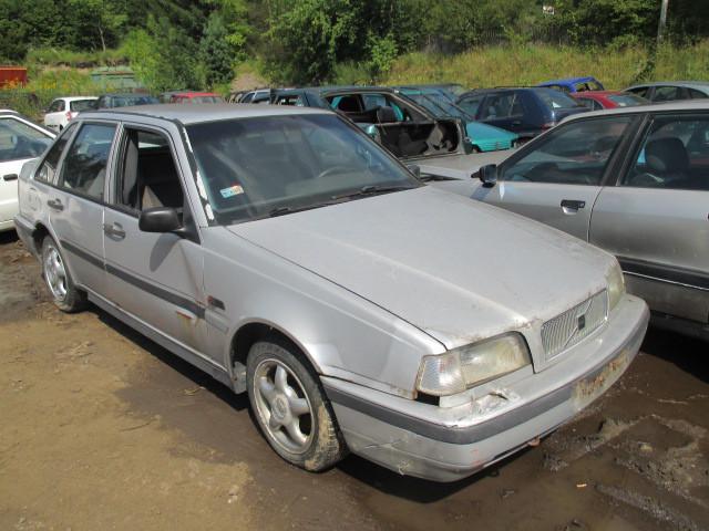 Авто под разборку Volvo 440 1.8