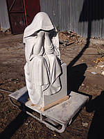 Скульптура из мрамора скорбящая мать