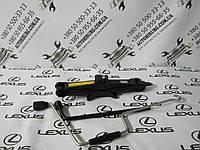 Домкрат и ключ замены колеса Lexus LS460