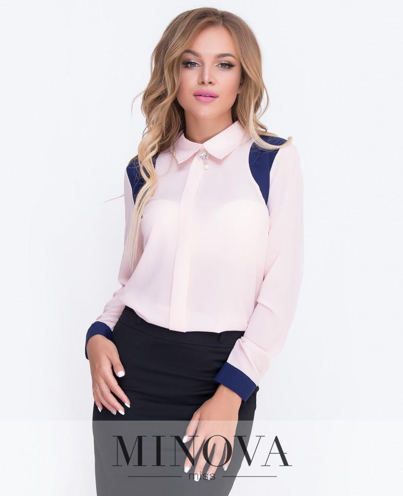 Оригинальная блуза с контрастными вставками и украшением на воротнике