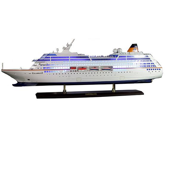 Модель корабля Океанский круизный лайнер