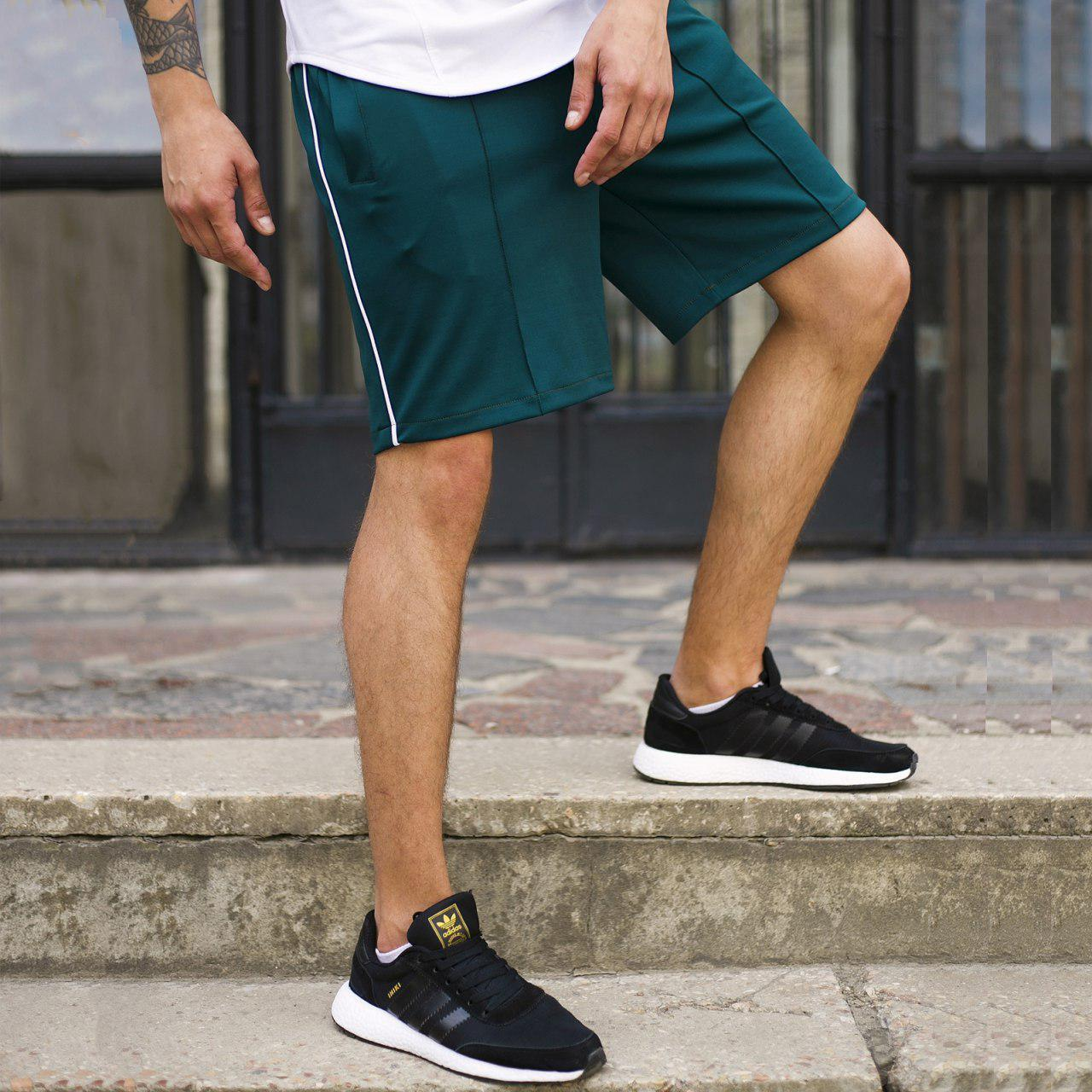 Шорты зеленые мужские с полоской СиДжей (CJ) от бренда ТУР размер XS, S, M, L, XL