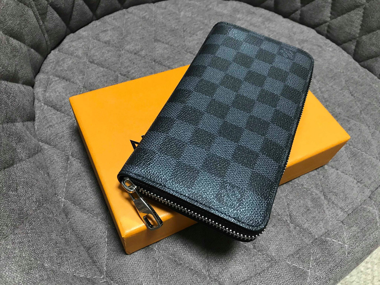 c12a0345faae Кошельки Louis Vuitton Zippy 19см - 7А — в Категории