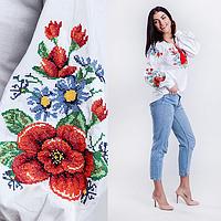 Вышивка на блузке цветами Мальва