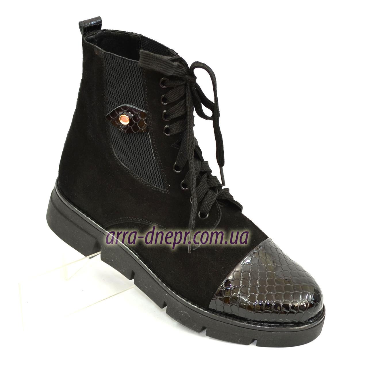 Стильные женские демисезонные ботинки на шнуровке, черный замш